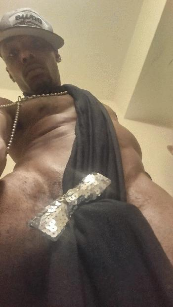 Professional Escort Streetz Rentboy Ad TREAT YOUR SELF TO A TREAT WITH STREETZ